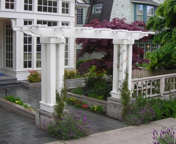 Arbor designed by Seattle landscaper, Environmental Construction