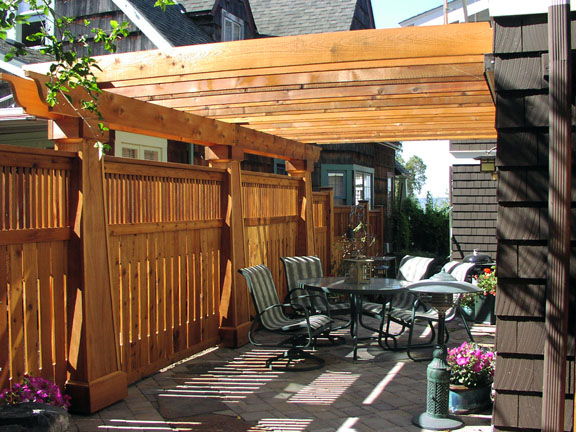Backyard patio in Kirdland resembles biergarten