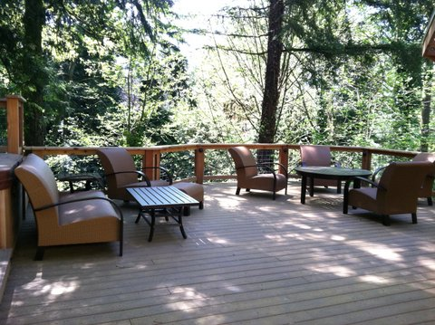 Privacy deck designed by Environmental Construction Inc. in Kirkland WA