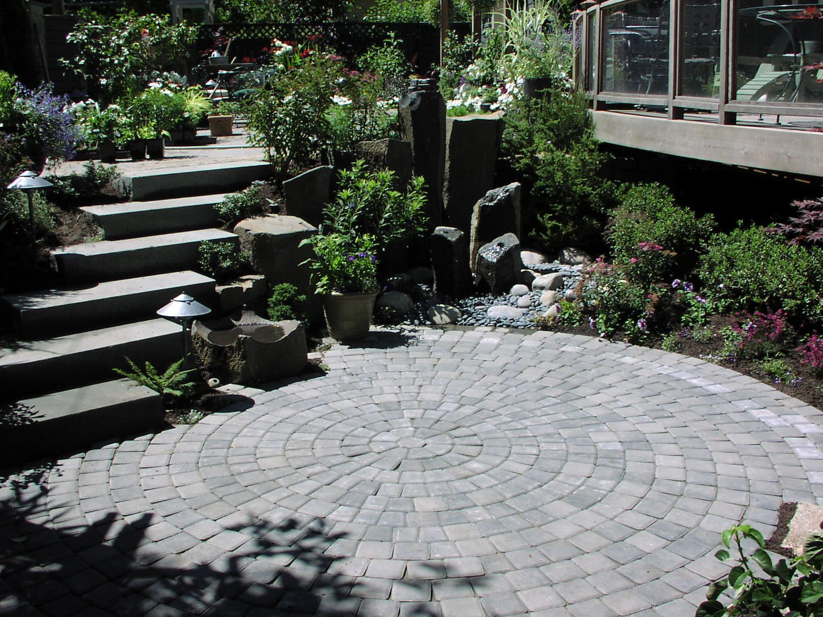 Paver patio designed by Environmental Construction Inc. in Kirkland WA